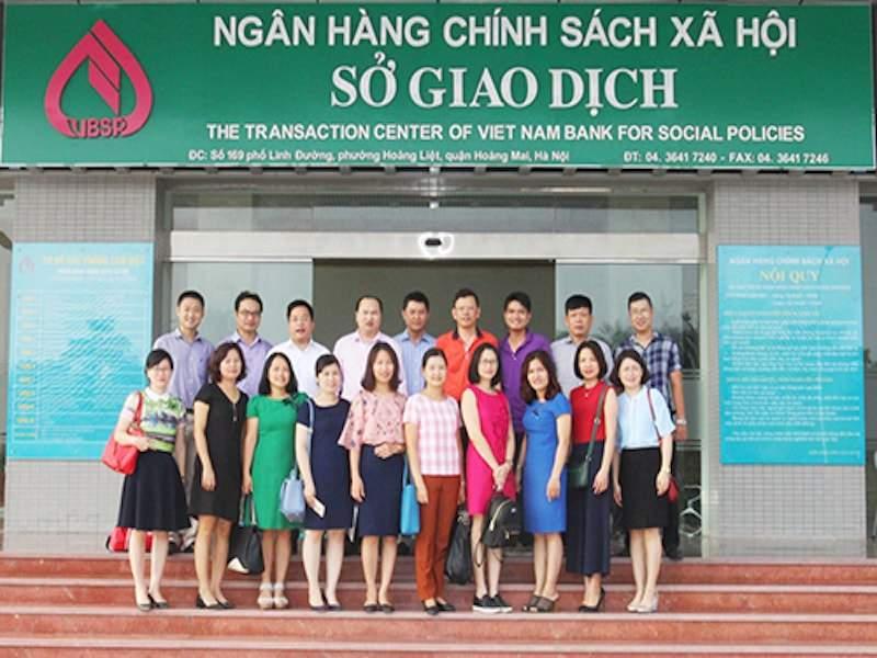 gio-lam-viec-cua-ngan-hang-chinh-sach-xa-hoi-1